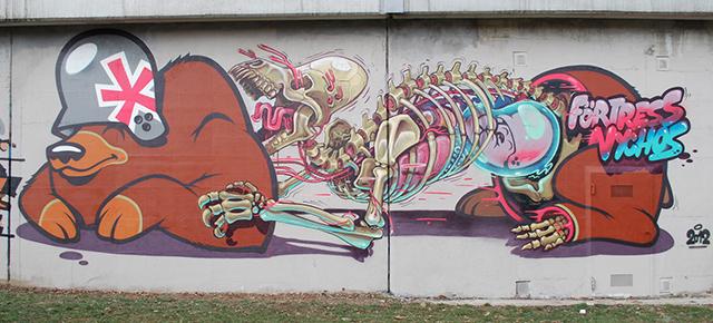 Street art:: The anatomy of mother bear giving birth