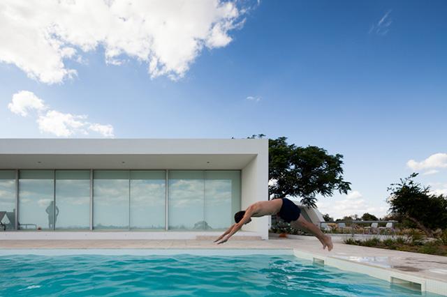 House in Tavira by Vitor Vilhena