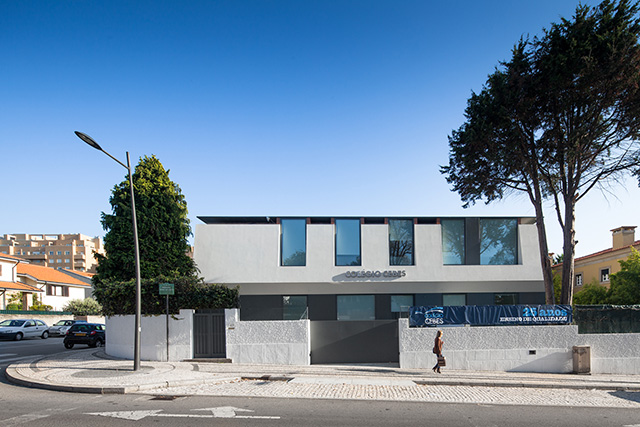 Private Colege in Oporto by OVAL