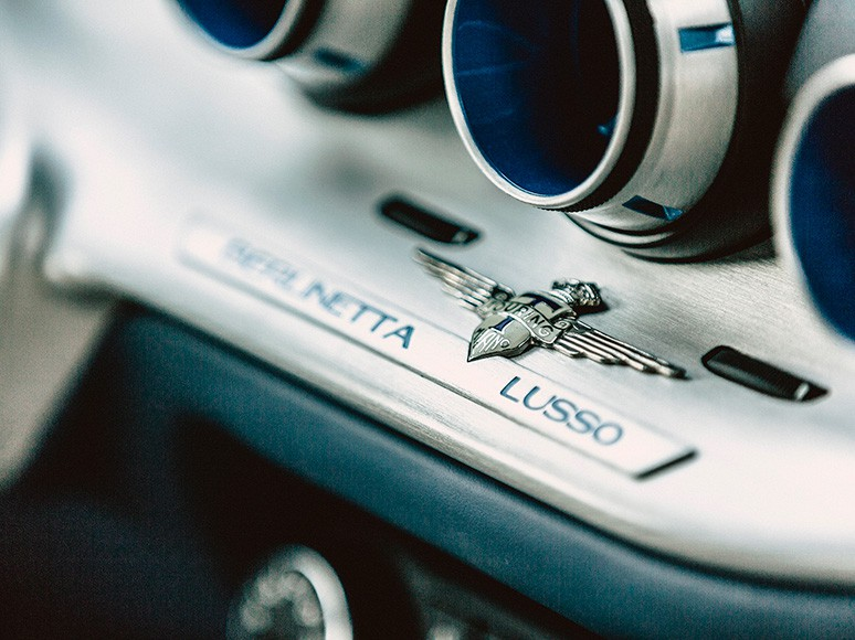 Berlinetta Lusso - classic Italian coupe by Touring Superleggera