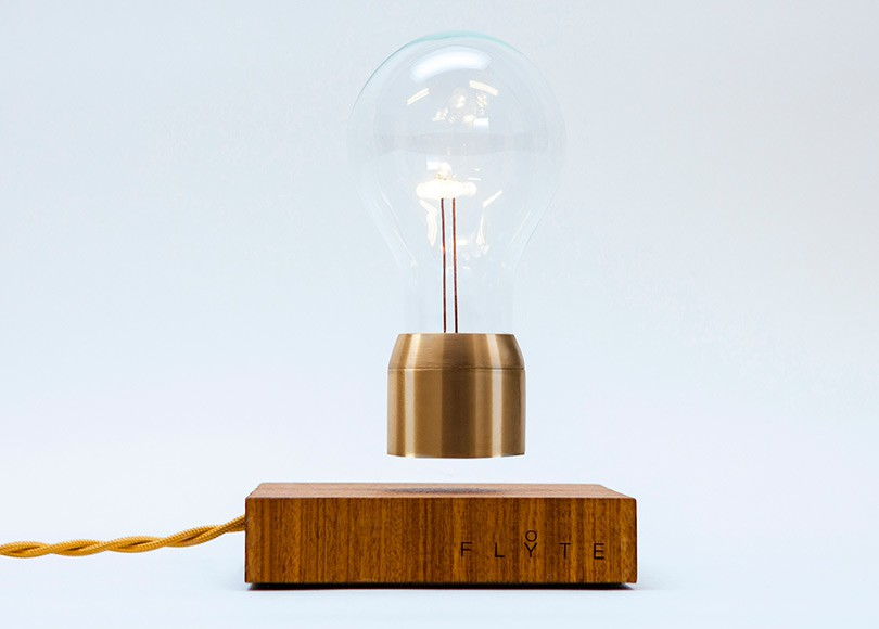 FLYTE - Levitating Lamp by Simon Morris