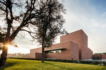 Auditorium Theatre of Llinars del Valles by Álvaro Siza Vieira