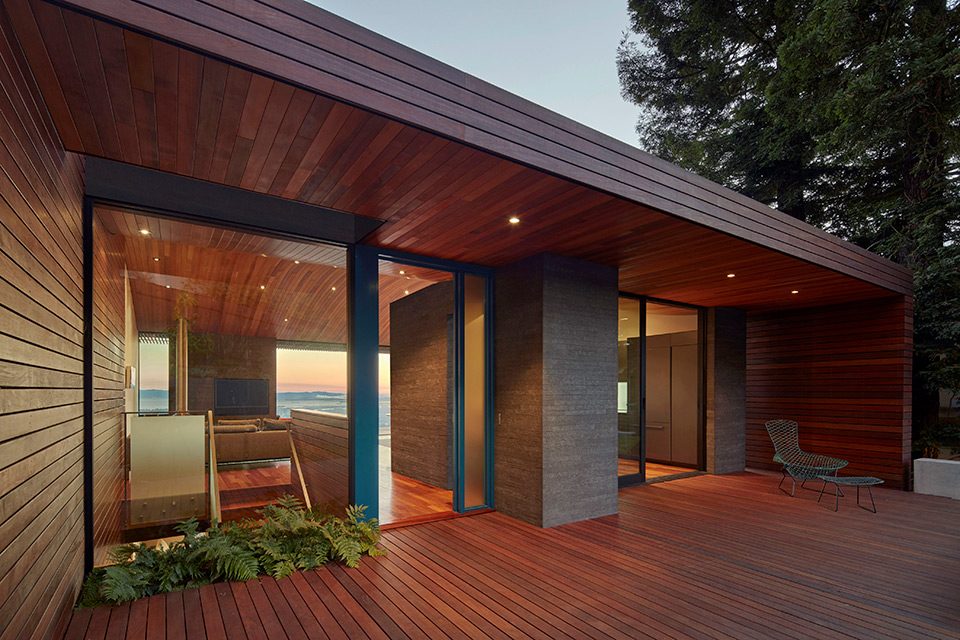 Skyline House with Curved Wooden Ceiling in Oakland by Terry & Terry Architecture