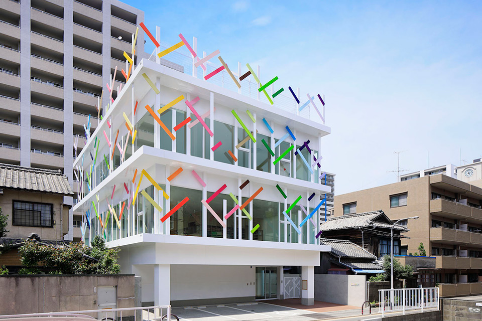 Creche Ropponmatsu Kindergarten in Japan by emmanuelle moureaux architecture + design