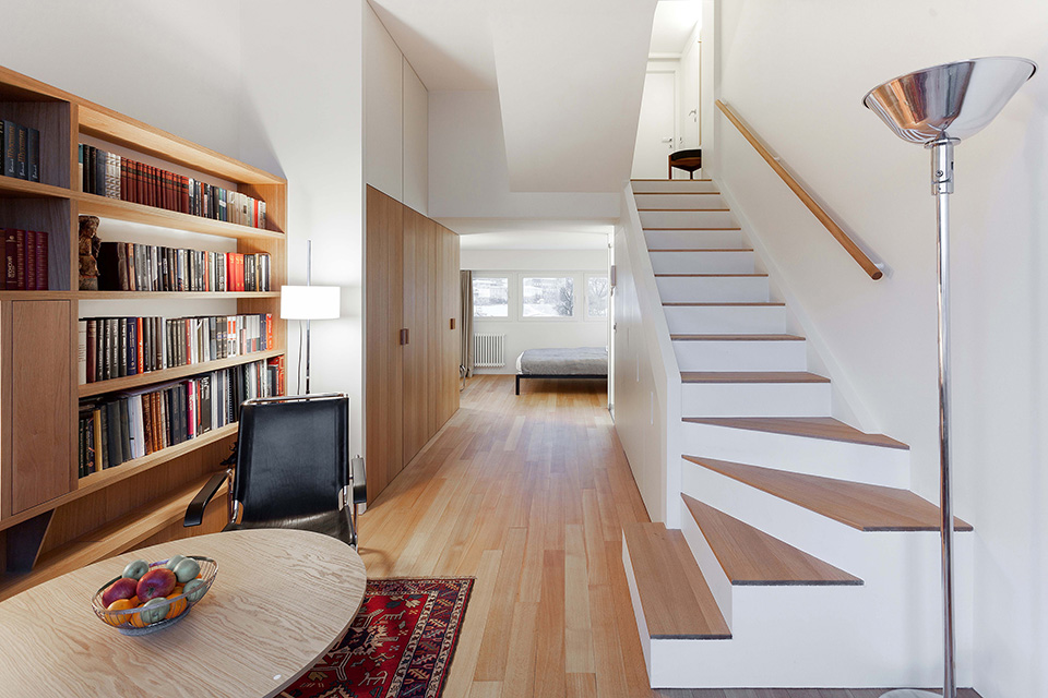 Compact Living:: 33 sqm Apartment in a Moscow Historic Building by Studio Bazi