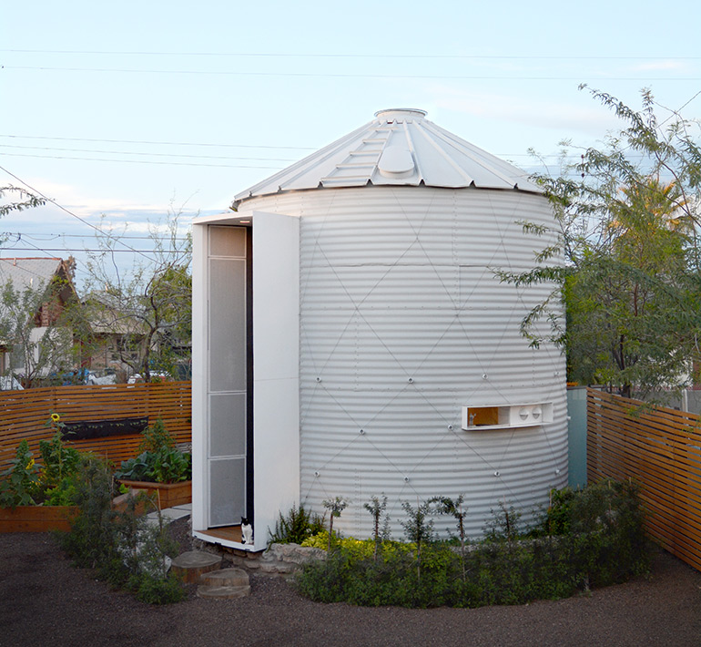 Compact Living:: Silo House in Phoenix by Kaiserworks LLC