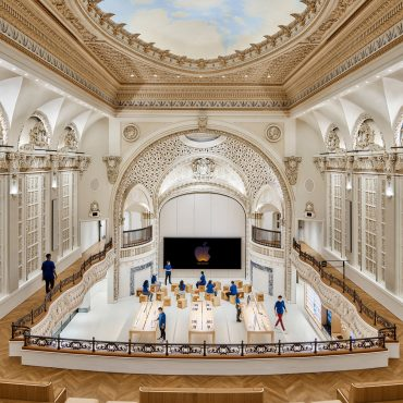 New Apple Store by Foster + Partners Opens in Los Angeles' Historic Tower Theatre